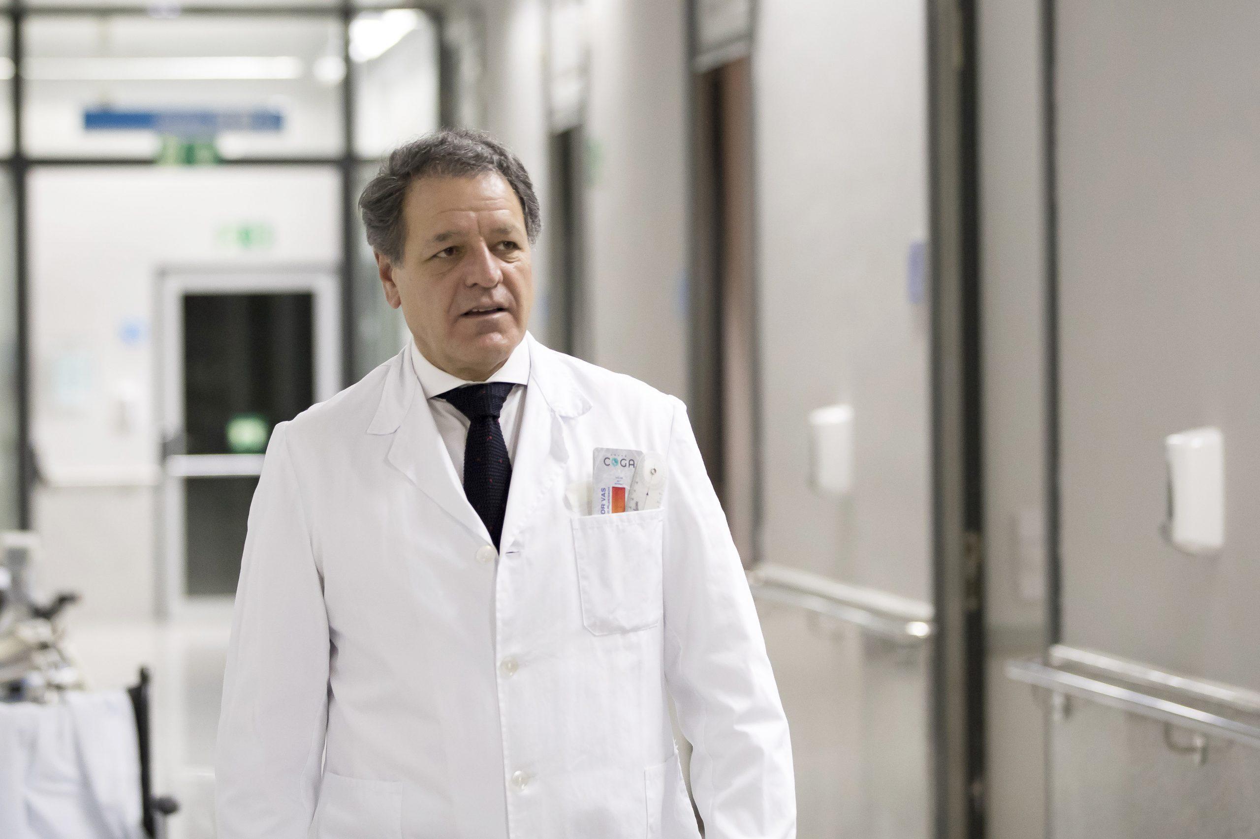 Dr. Llpis Un doctor madrileño, referente en la introducción de la robótica en la cirugía protésica de cadera y rodilla